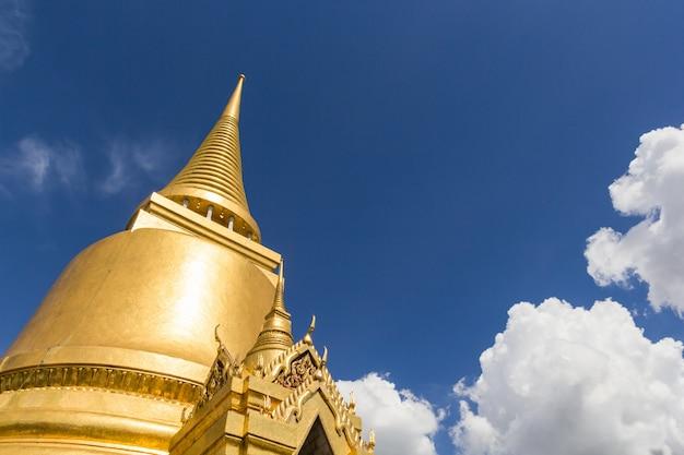 Gold pagoda in wat phra kaew