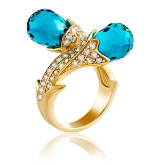Золотое кольцо с бриллиантами и топазами с драгоценными камнями