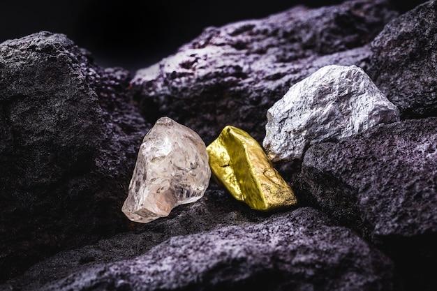 탄광의 금,은 및 원석 다이아몬드, 석재 및 귀금속, myeralogy의 개념