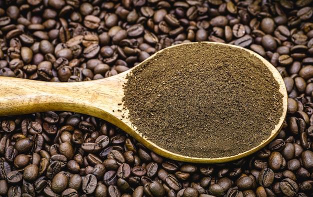 ブラジル製の輸出型コーヒーパウダー入りゴールドスプーン
