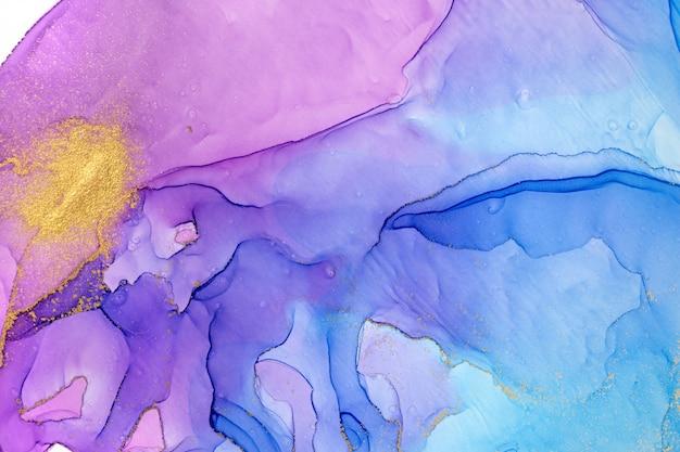 Золотое пятно на акварель градиент синий и фиолетовый фон.