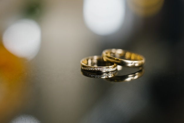 Gold wedding rings at the wedding
