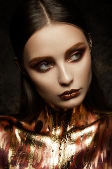 ゴールドの女性の肌。