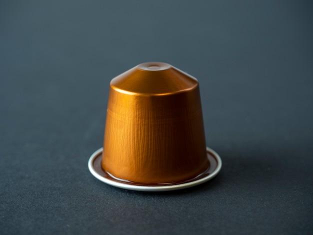 おいしいアロマコーヒーが入ったゴールデンアルミニウムカプセル