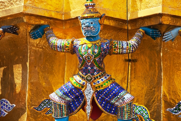 バンコク、タイの黄金の仏像