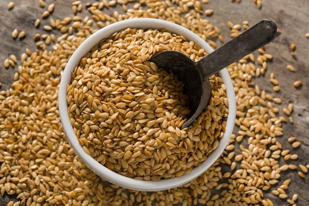 Золотые семена льна