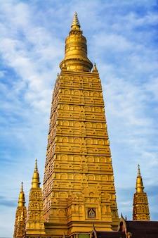 Golden pagoda golden stupa temple, thailand