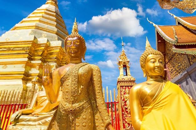 Golden pagoda wat phra that doi suthep in chiang mai