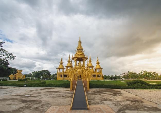 Golden temple at wat rong khun (white temple), chiang rai, north thailand