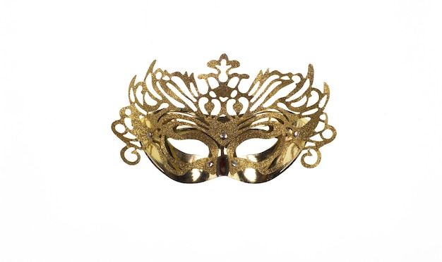 Золотая венецианская маска на белом фоне