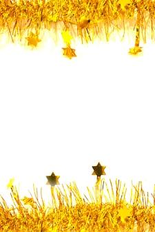 Золотая, желтая мишура, рождественское украшение, украшение, изолированные на белом фоне