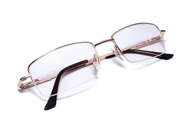 흰색 바탕에 goldrimmed 안경