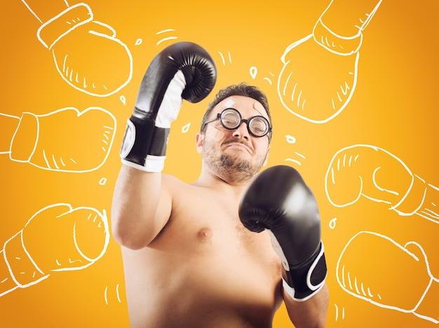 Тупой боксер получил множество сильных ударов