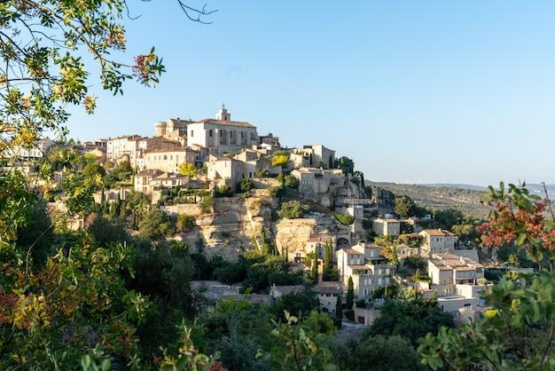 フランスプロヴァンスのゴルド村の小さな典型的な町