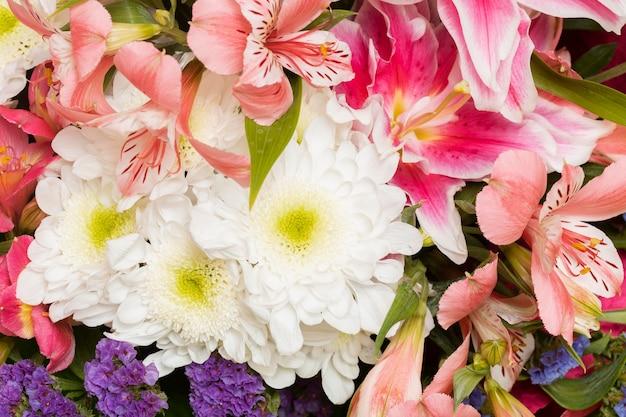 꽃 배경의 화려한 배열