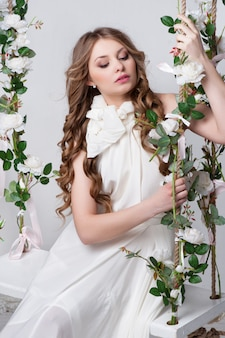 Великолепная невеста с цветами