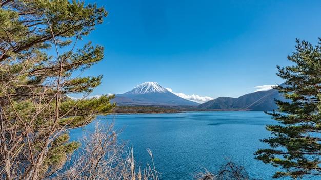 A gorgeous view of mount fuji