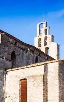 バニョールスのゴシック様式の教会