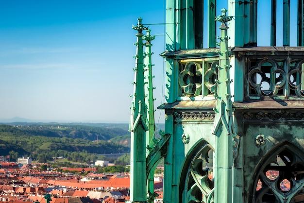 성 비투스 대성당의 고딕 양식의 피나클. 프라하, 체코