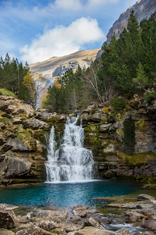 Ordesa와 monte perdido 국립 공원, 스페인에서 gradas de soaso 폭포