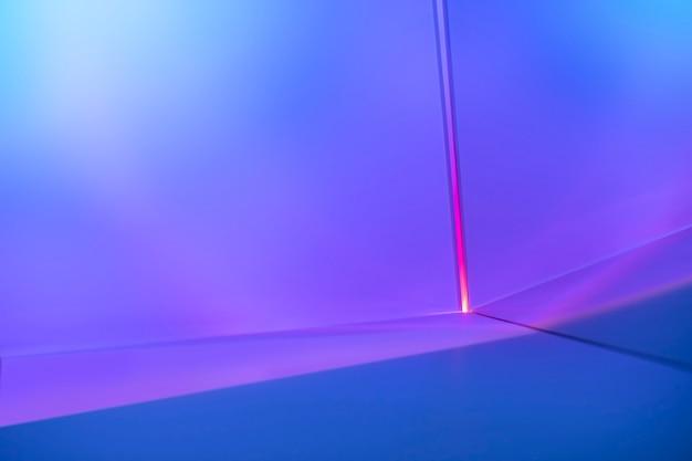 분홍색과 보라색 조명 효과가 있는 그라데이션 배경