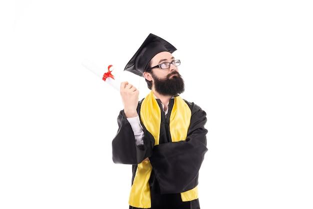 졸업장을 들고 졸업 된 남자