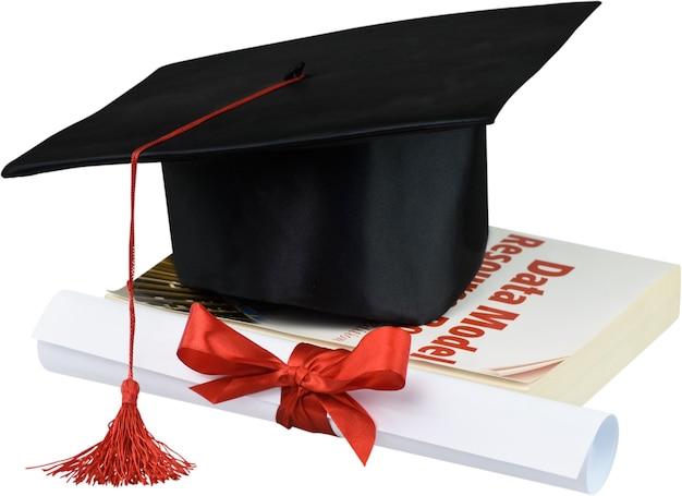 Выпускной шапка с кисточкой, диплом с красной лентой