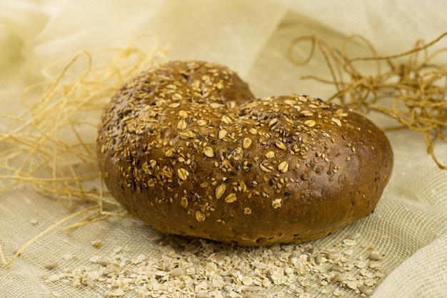 Grain bread with seds