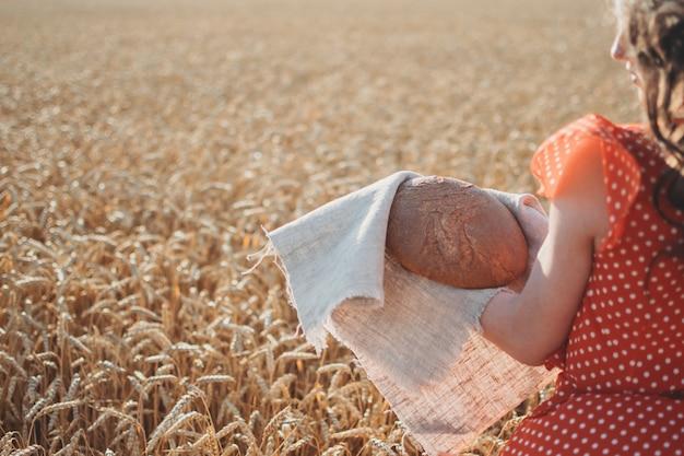 穀物の輸出、小麦の収穫と輸出制限
