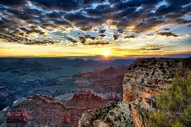 Grand canyon at sunrise, horizontal view