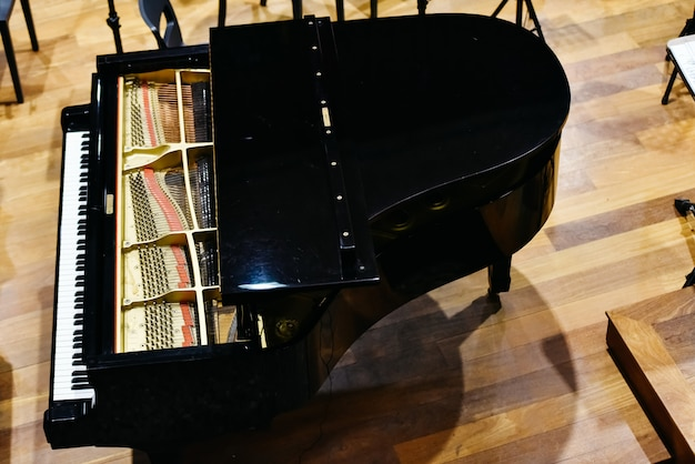 Grand piano from above.