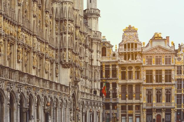 Старый город брюсселя. достопримечательности grand place в брюсселе