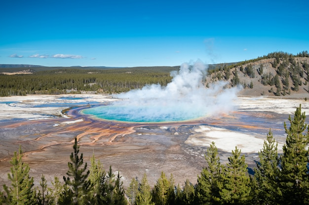 Grand prismatic spring in yellowstone national park, usa