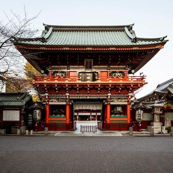 장대 한 전통 일본 목조 사원