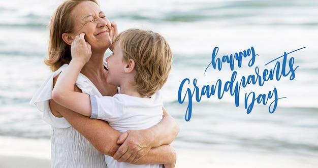 할머니와 조부모의 날을 축하하는 손자