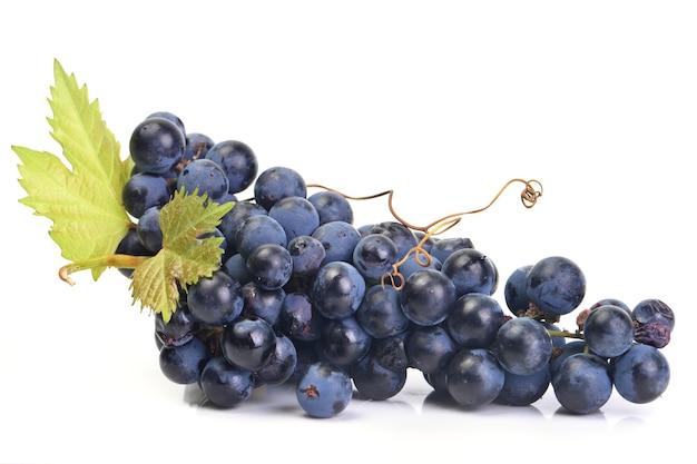 Изолированные плоды винограда
