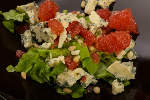 Grapefruit and blue cheese salad