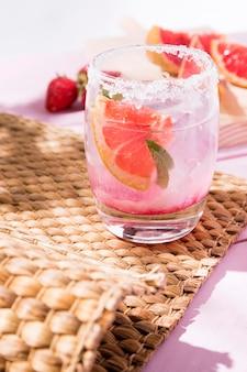 Grapefruit and strawberry aroma drink