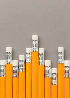鉛筆とグラフィックの概念