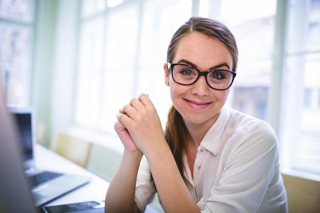 Graphic designer wering eyeglasses