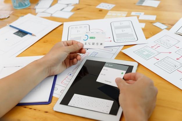 Графические дизайнеры, работающие с ux ui