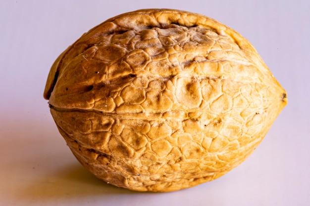 Графические ресурсы изолированный объект закрытый спелый орех