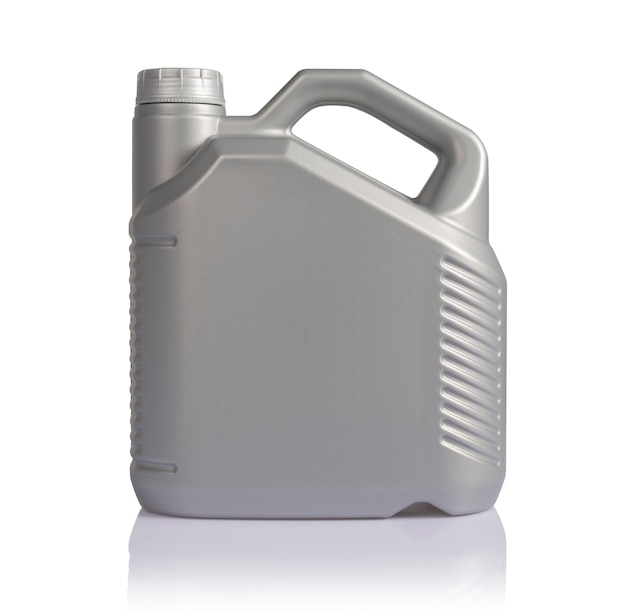 白い背景の上の灰色のディーゼル油缶