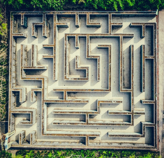 Gray labyrinth, complex problem solving concept