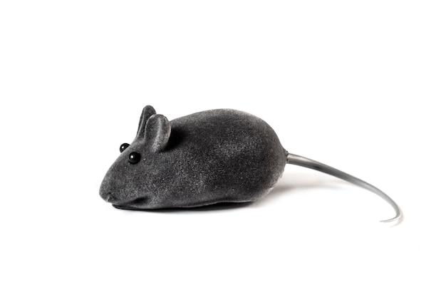 Серая игрушечная мышка