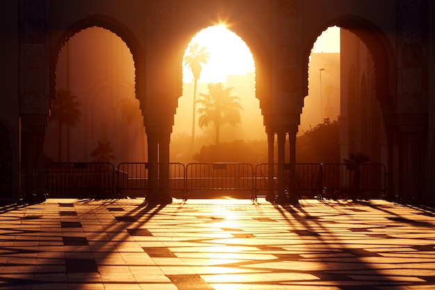 카사 블랑카, 모로코에서 석양 hassan 2의 위대한 모스크. 일몰, 햇빛 광선에 아랍 모스크의 아름다운 아치
