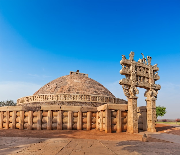 大ストゥーパ。 sanchi、マディヤプラデーシュ州、インド