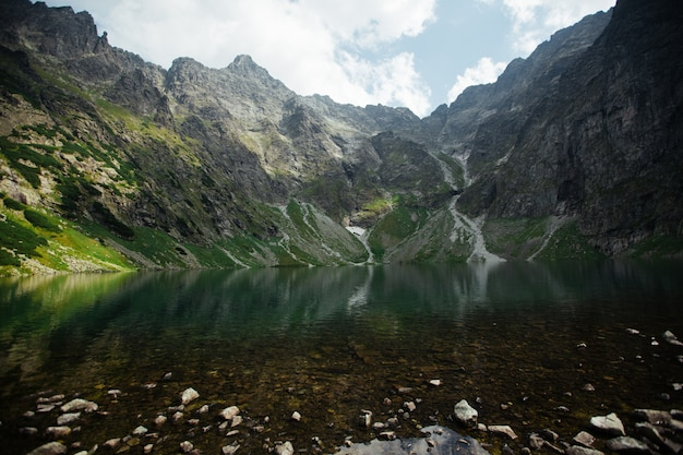 岩山塊の素晴らしい景色。人気の観光スポット。ドラマチックで美しいシーン。ヨーロッパ。美の世界