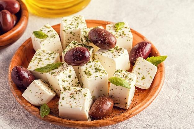 オレガノとオリーブのギリシャチーズフェタチーズ
