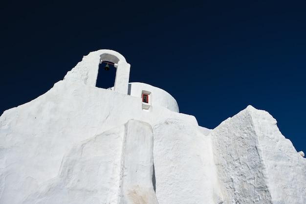 Греческая православная церковь панагии парапортиани в городе хора на острове миконос